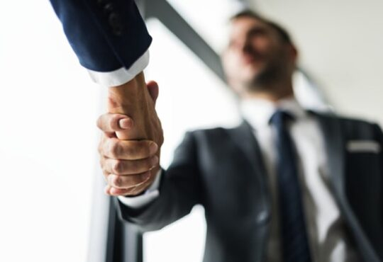 Como identificar os stakeholders e seus interesses